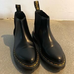 Dr Martens Chelsea boot